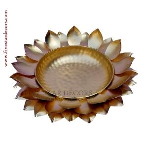 Lotus Urli